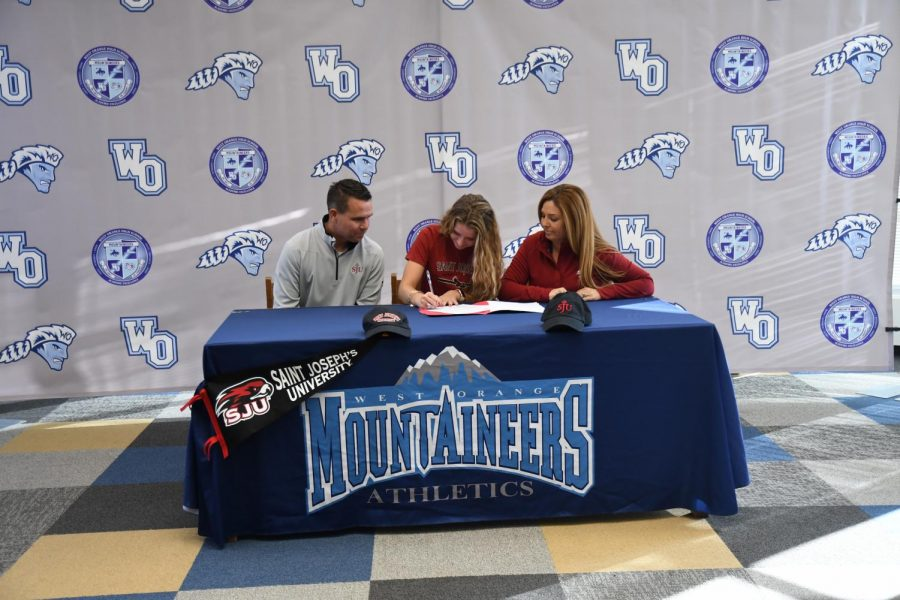 Natalie Nevins Commits to Saint Joseph's University